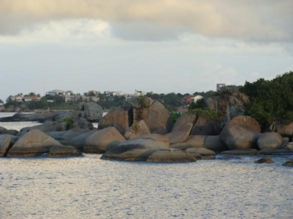 Água mole em pedra dura...